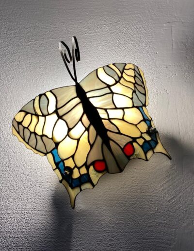 Farfalla tiffany accesa